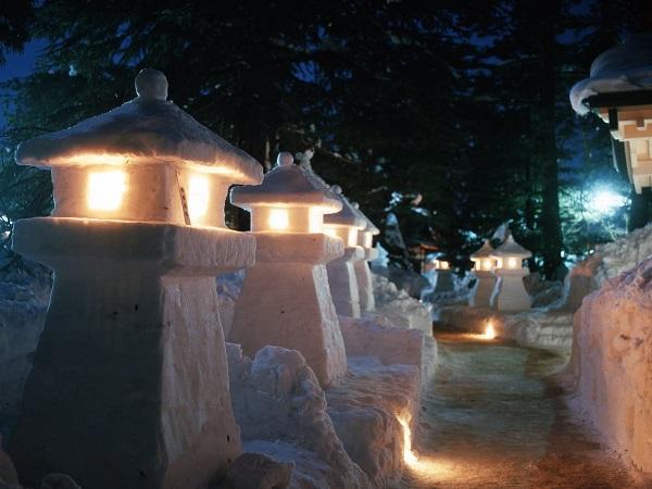 雪灯篭祭り01