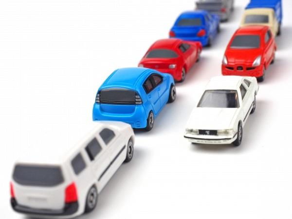 自動車渋滞 イメージ